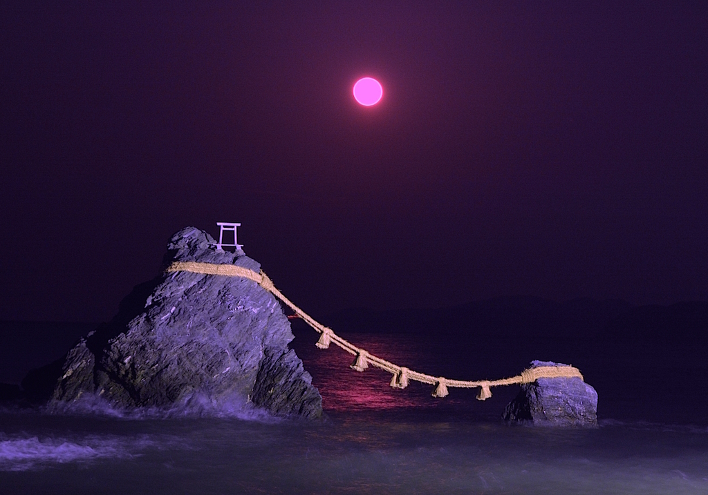 夫婦岩 赤い満月.jpg