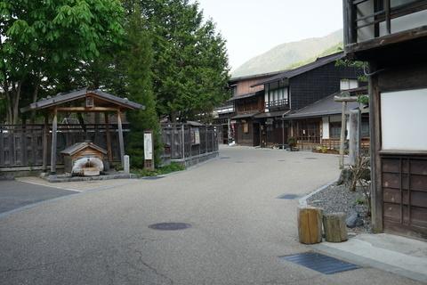 奈良井宿 鍵の手.jpg